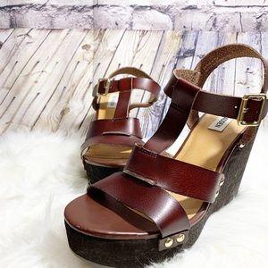 Steve Madden Wynn sandals size 8.5 brown high heel